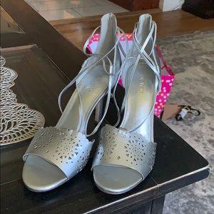 Nine West Silver Tie Top Heel — Never Worn